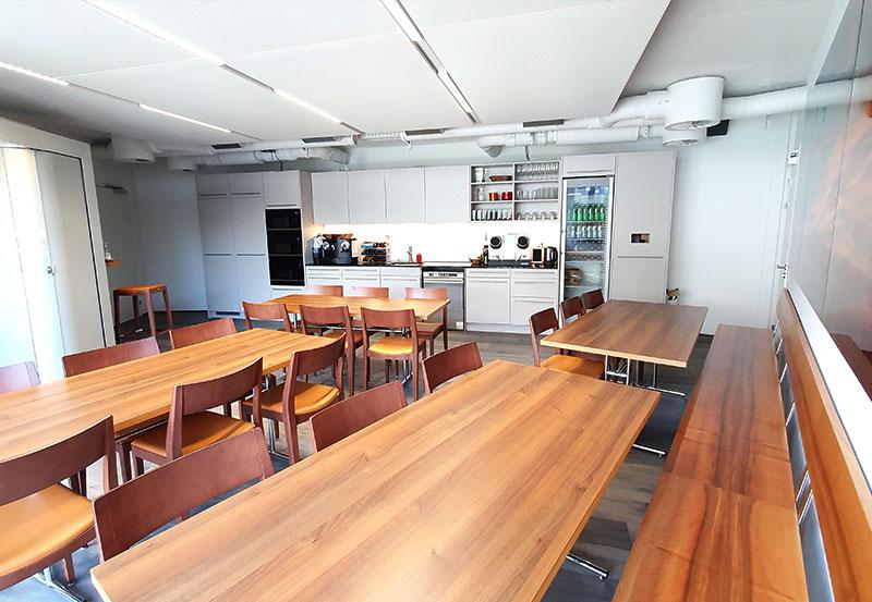 büros zu vermieten kanton schwyz | halten business center | AJMS